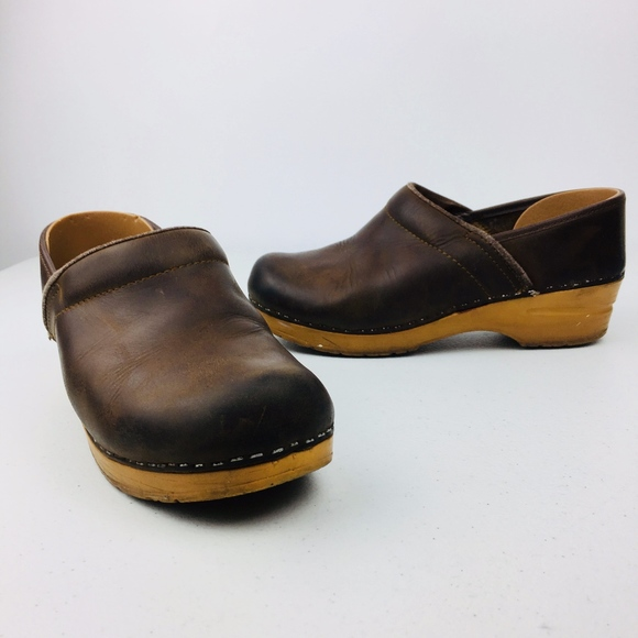 5fa5f560b246 Dansko Shoes - Dansko Sanita Clogs Shoes Brown Leather
